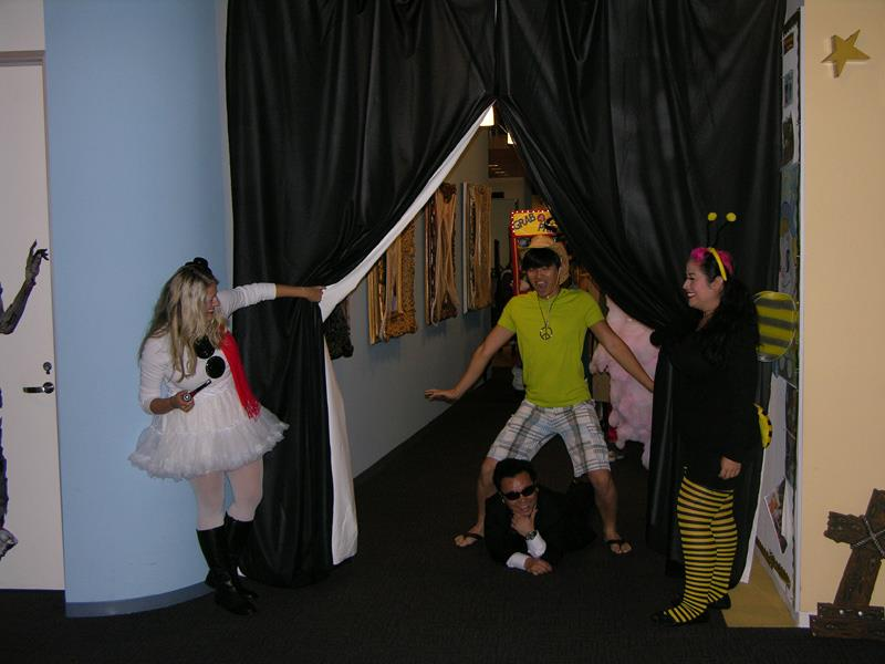 http://images.neopets.com/community/editorial/halloween2012.jpg