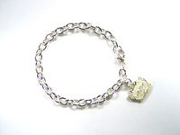 http://images.neopets.com/shopping/products/bracelet01_angelpuss.jpg