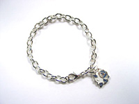 http://images.neopets.com/shopping/products/bracelet01_babaa.jpg