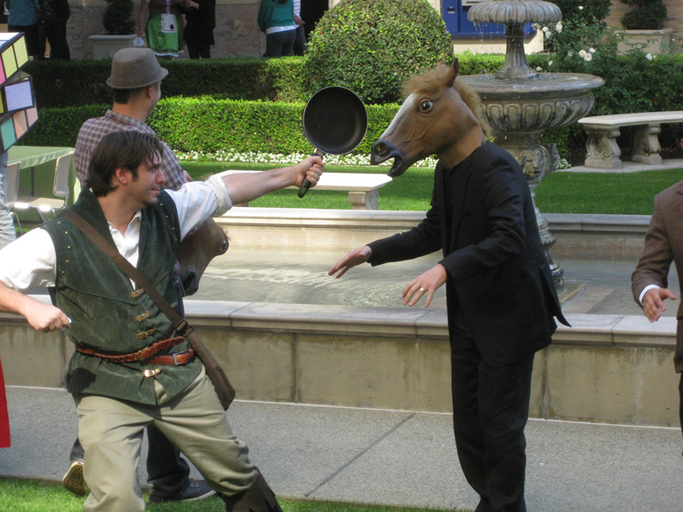 https://images.neopets.com/community/editorial/horsemask1.jpg
